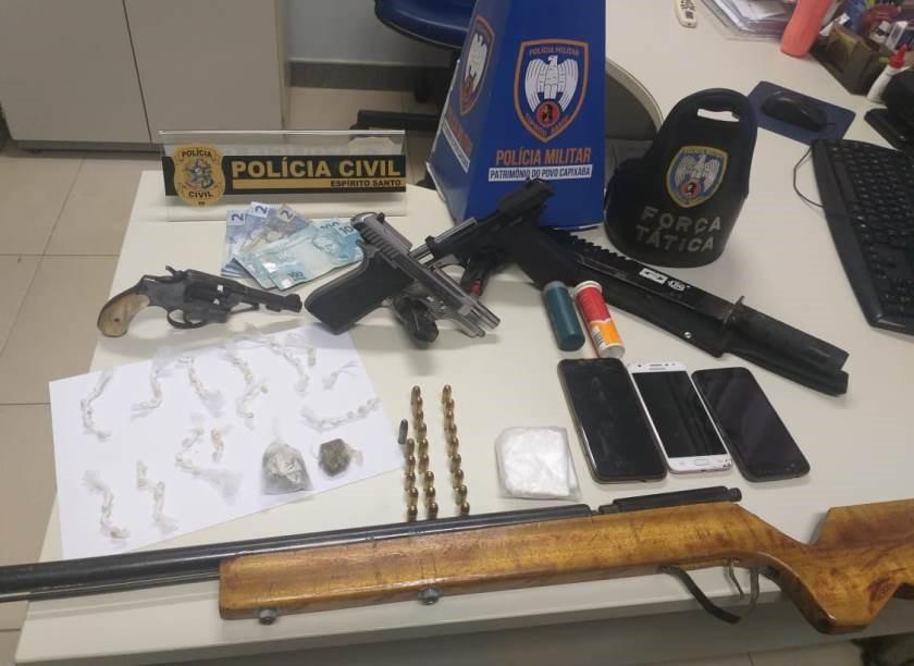 Operação integrada PM e PC apreende drogas, armas e detém cinco pessoas em Pinheiros
