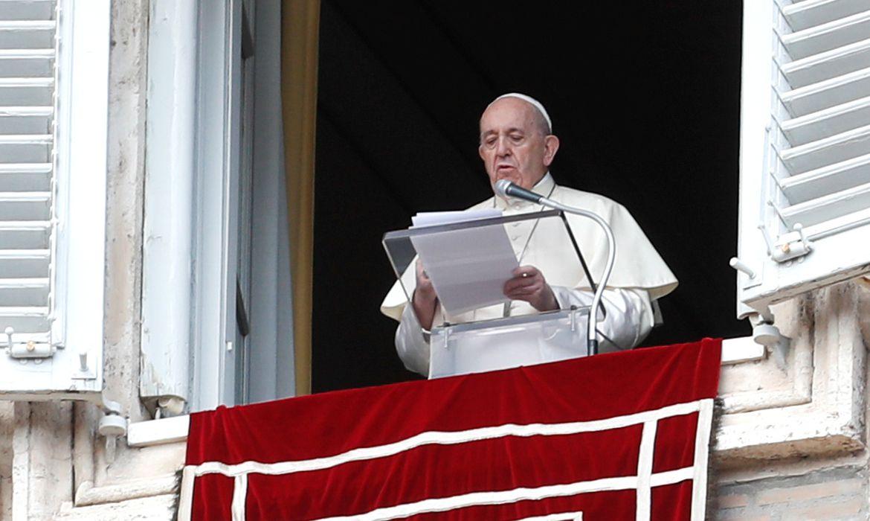 """Papa condena ataque """"selvagem"""" a uma igreja na França"""