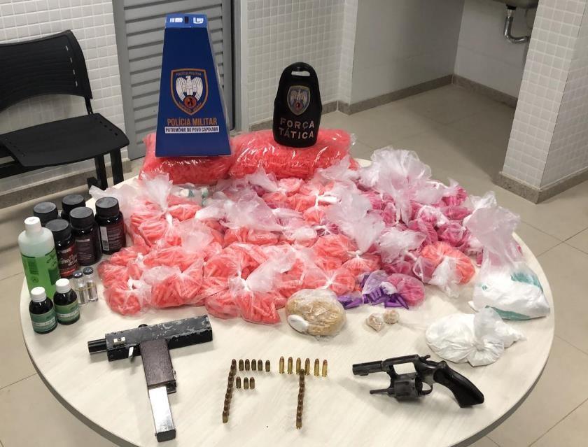 Força Tática apreende armas, munições e drogas em Cariacica
