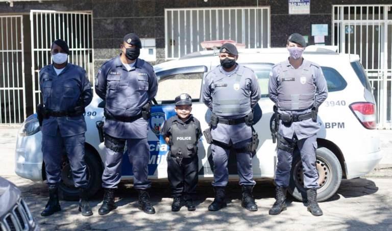 Destacamento Policial em Boa Esperança recebe pequeno admirador da PM