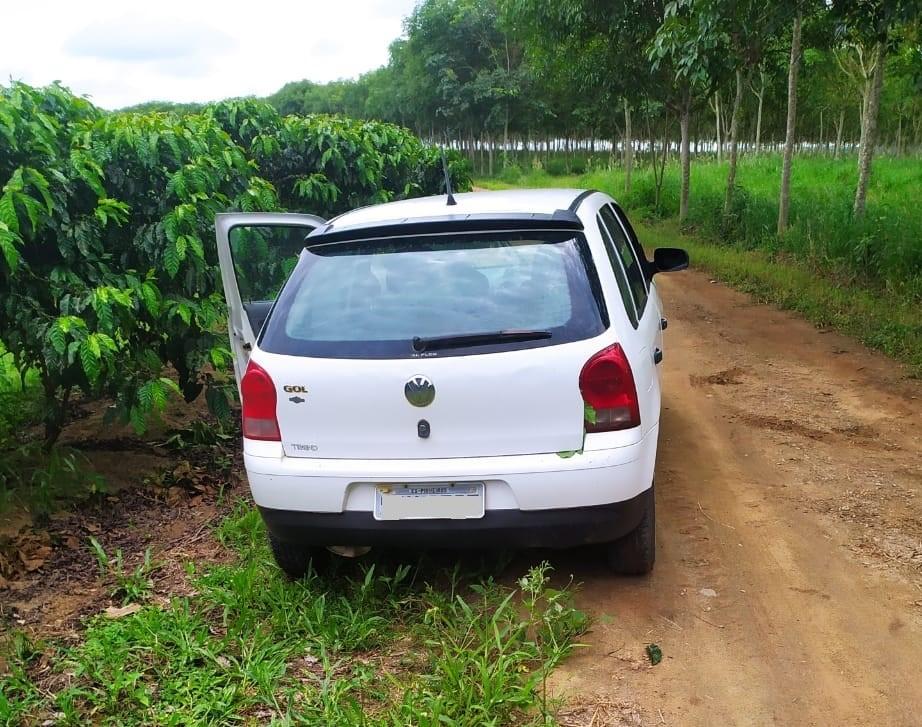 Polícia Militar recupera veículos com restrição em Pinheiros e Boa Esperança