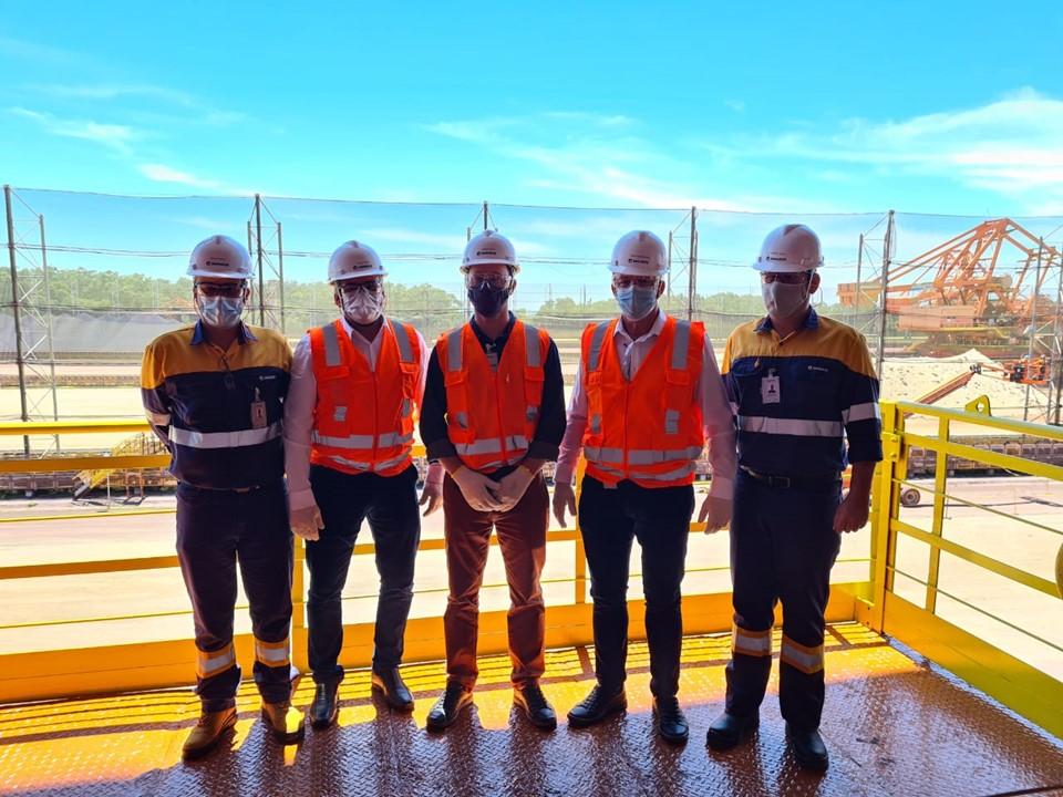 Governador visita instalações de mineradora no Complexo de Ubu