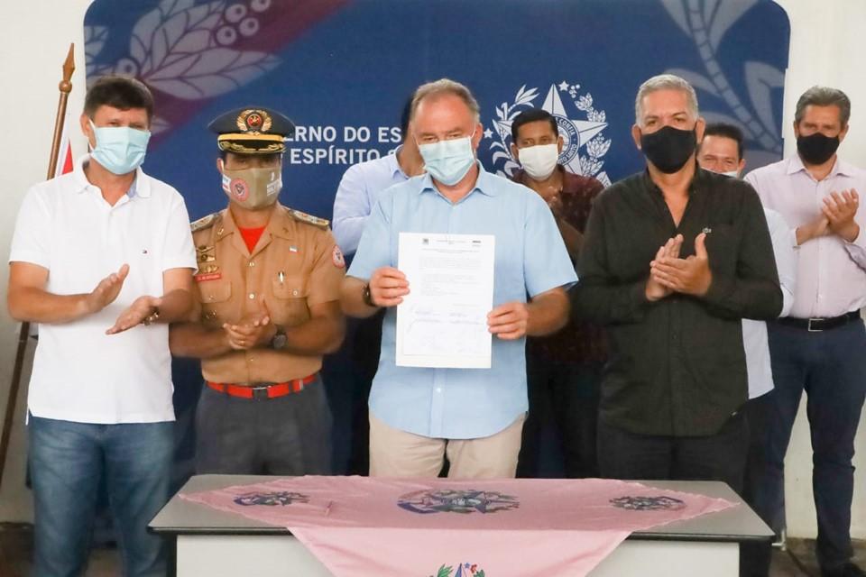 Governo entrega posto avançado do Corpo de Bombeiros e anuncia mutirão de serviços oftalmológicos em Baixo Guandu