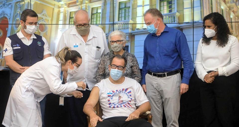 Espírito Santo inicia vacinação contra a Covid-19 de pessoas com comorbidades, deficiência permanente, gestantes e puérperas