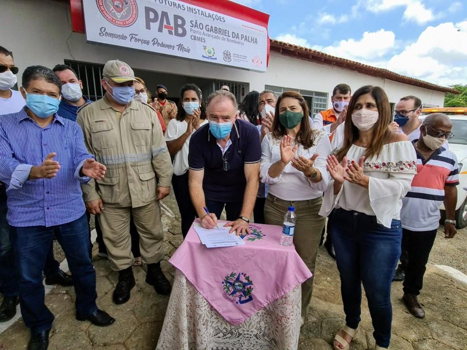 Casagrande entrega obras e anuncia unidade do Corpo de Bombeiros em São Gabriel da Palha