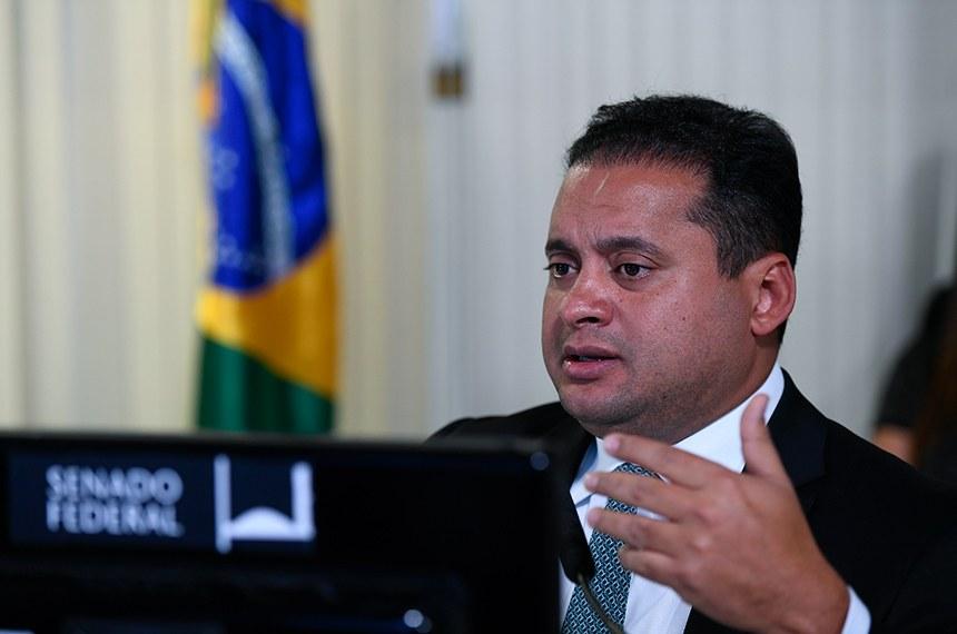 PEC adia eleição mas mantém prazos eleitorais, esclarece Weverton