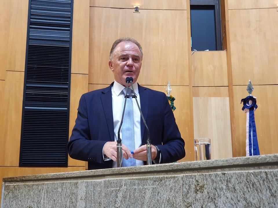 Governador Casagrande faz prestação de contas na Assembleia Legislativa