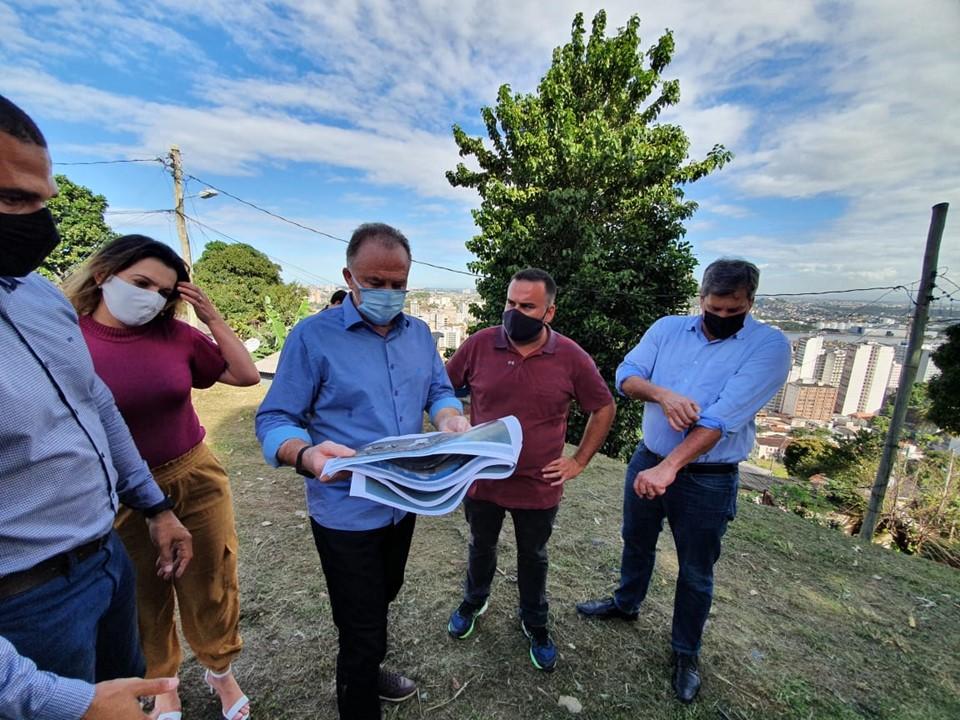 Governador do Estado visita comunidade da Piedade em Vitória