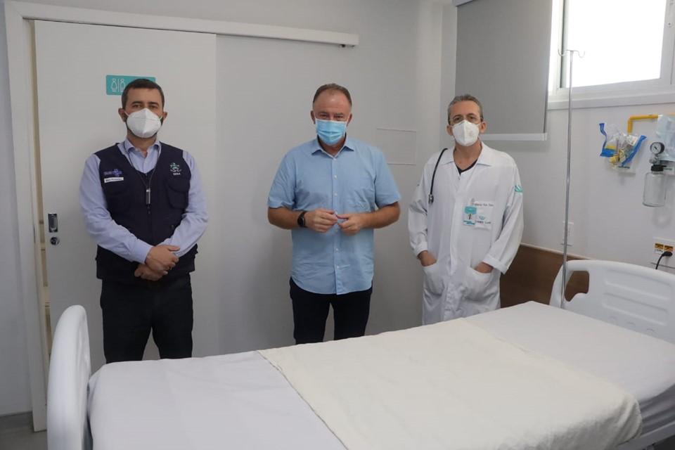 Governo do Estado entrega dez leitos de enfermaria clínica em Vitória