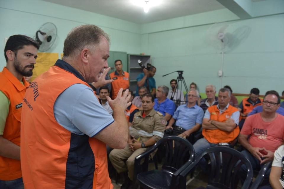 Governador se reúne com prefeitos e integrantes da Defesa Civil das cidades atingidas pelas chuvas