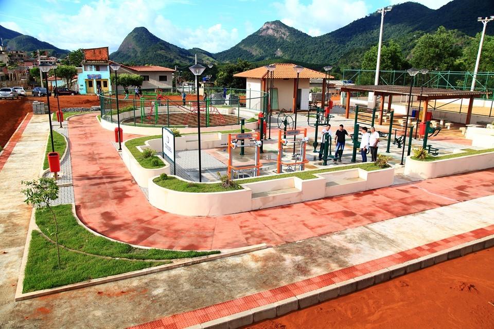 Sesport visita obras da praça saudável em Ibiraçu